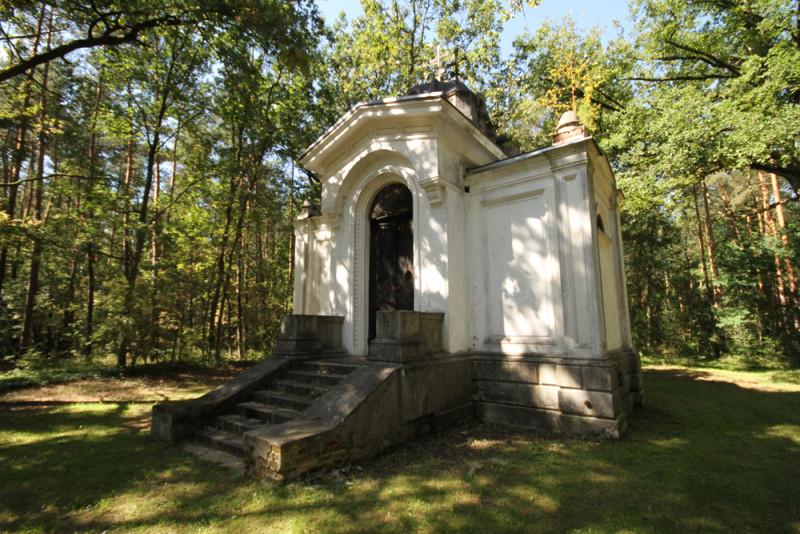 Kaplica grobowa_park